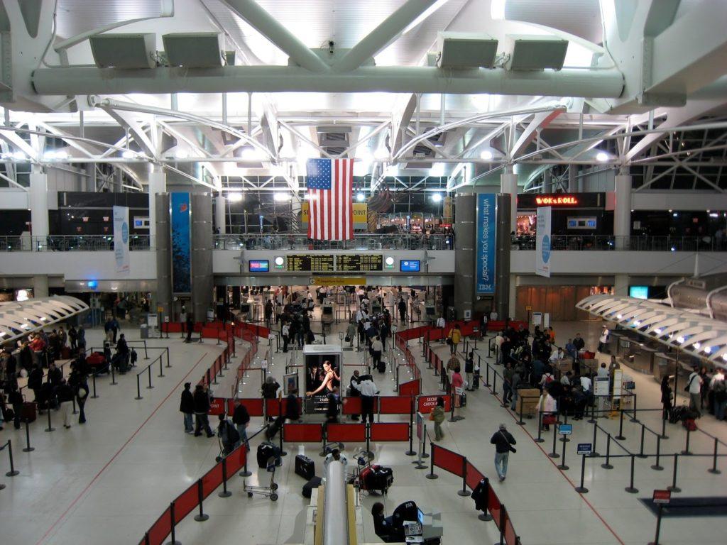 Vyhněte se využívání velkých amerických letišť