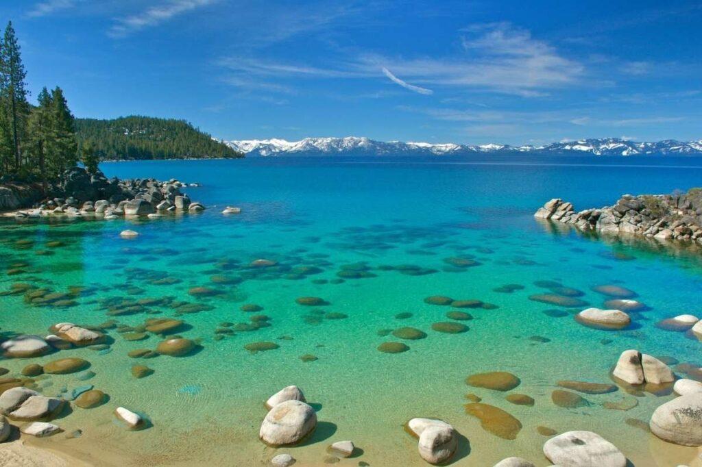 jezero Tahoe v Kalifornii a Nevadě