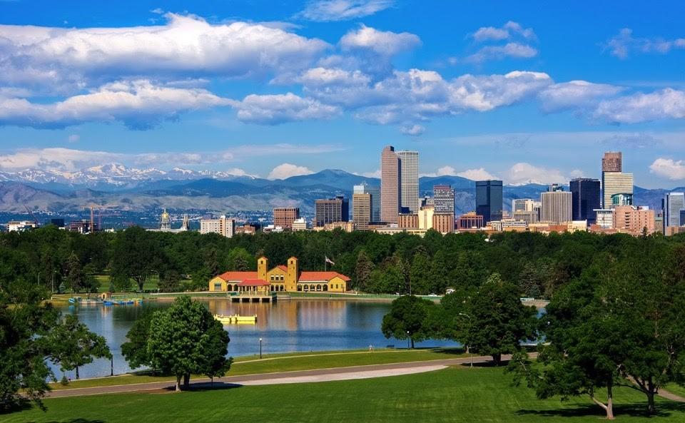 letní fotografie amerického Denveru