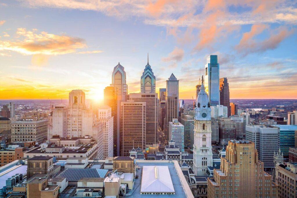 zapadající slunce nad Philadelphií