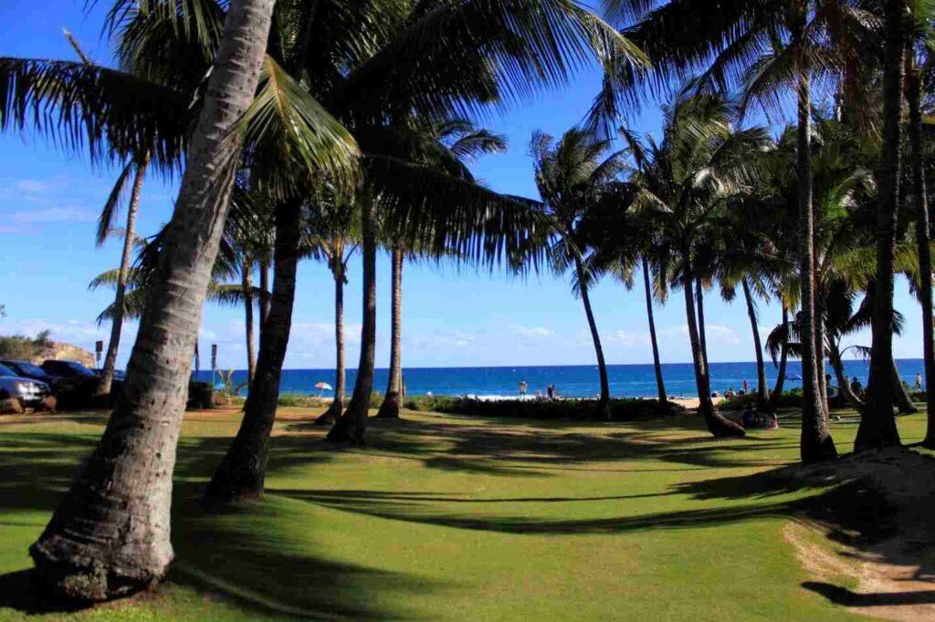 havajská Kauai, město na pláži